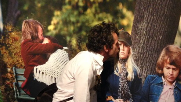 GEURENGOEROE KISSES SAINT AGNETHA