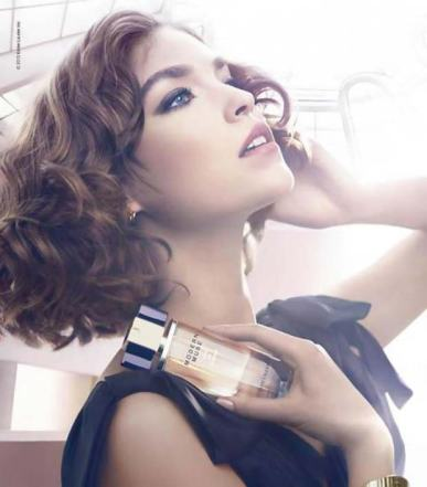 MODERN MUSE ESTEE LAUDER MODEL
