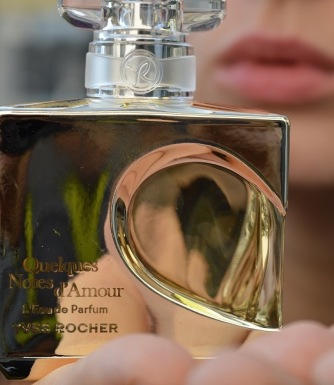 QUELQUES NOTES D'AMOUR YVES ROCHER LE