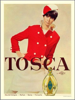 TOSCA GOES COURREGES