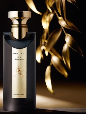 EAU PARFUMEE AU THE NOIR FLACON