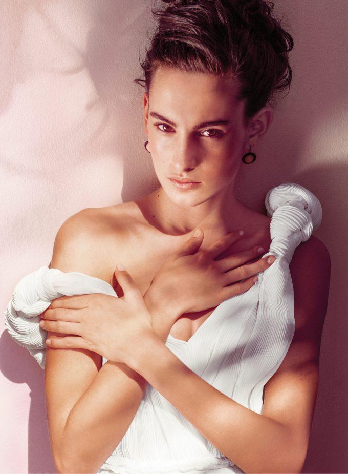 eau-sensuelle-bottega-veneta-model