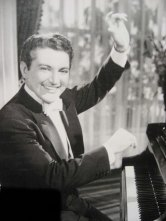 liberace-in-the-fifties-1